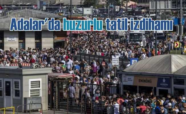 İstanbul'da kalanlar akın akın Adalar'a gitti