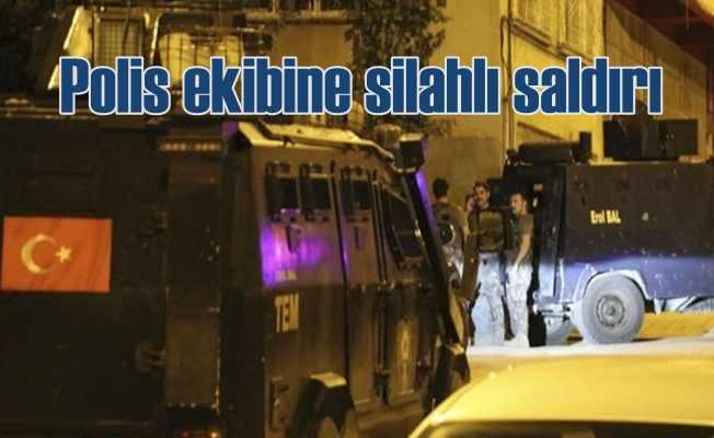 Uyuşturucu satıcıları polis ekibine saldırdı
