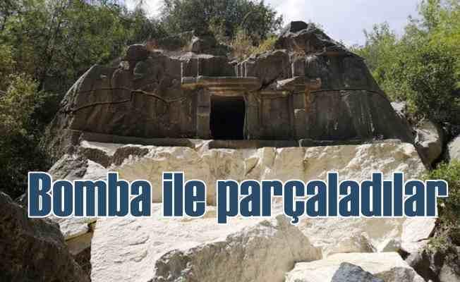 3 bin 500 yıllık kaya mezarı EYP ile parçaladılar