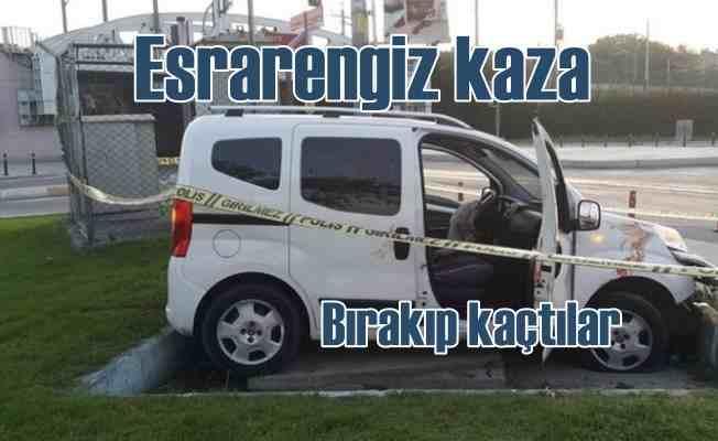 Camlarına kurşun sıkılmış araçla kaza yaptılar