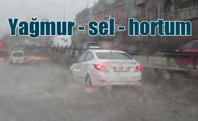 Karadeniz'i yağmur, sel, fırtına ve hortum vurdu