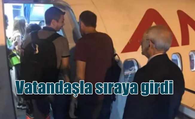 Sosyal medya sıraya giren Kılıçdaroğlu'nu konuştu