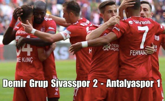 Yiğidolar, Antalyaspor'u 2-1 yenerek 3 puanı aldı