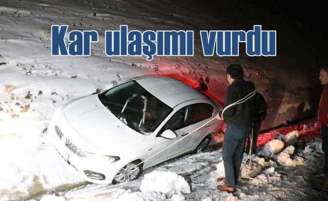 Kar yağışı Doğu Anadolu'da ulaşımı vurdu