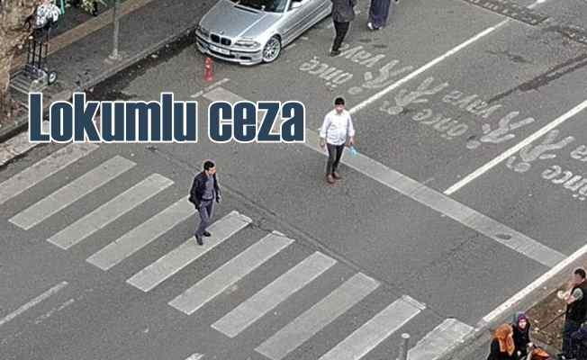 Trafikte yol vermeyen sürücüye lokumlu özür dileme cezası