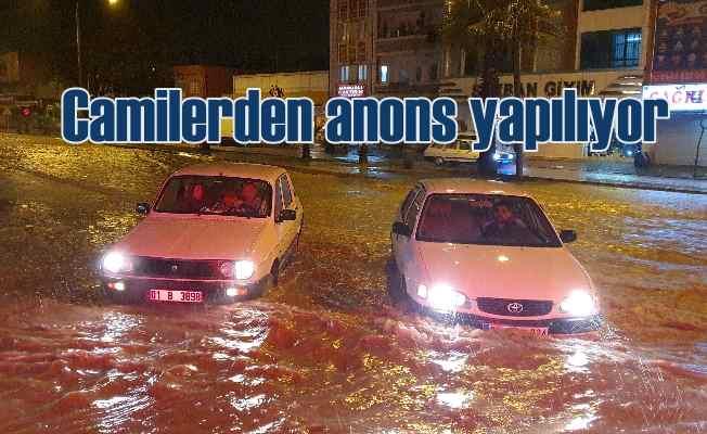 Adana afet bölgesine döndü, fırtına ve yağmur hayatı felç etti