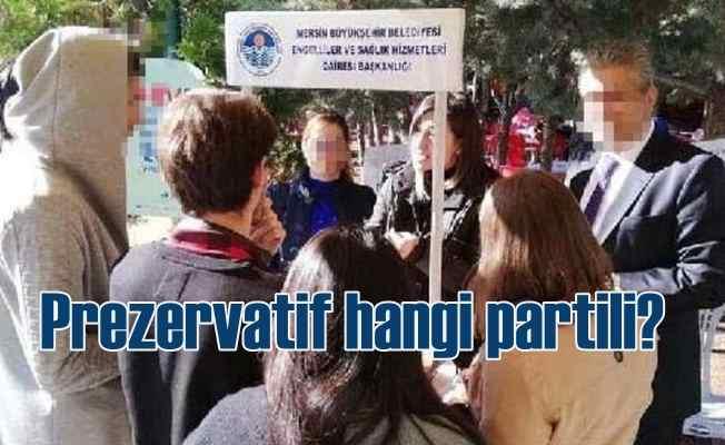 AK Partili bakanlık prezervatif dağıttı, CHP'li belediye suçlandı