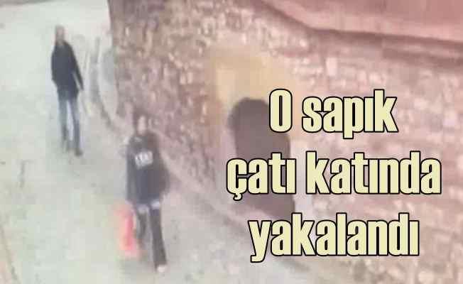 Balat sapığını polis çatıda yakaladı