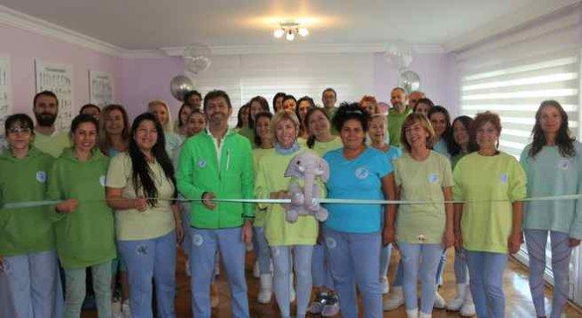 Dünya Değişim Akademisi 155. merkezini İzmir'de açtı