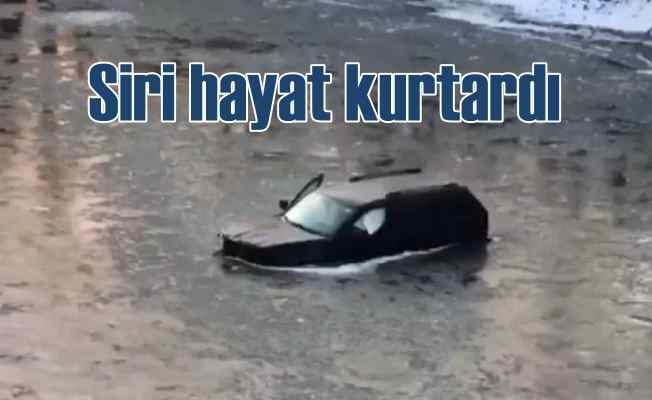 Nehre uçan araçtan Siri sayesinde kurtuldu