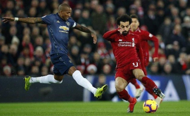Liverpool, Manchester United'e acımadı