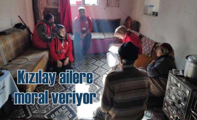 Türk Kızılayı, depremzedelere psikososyal destek veriyor