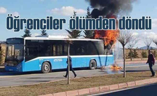 Budur'da halk otobüsü yangını | Üniversiteliler ikinci kez ölümden döndü