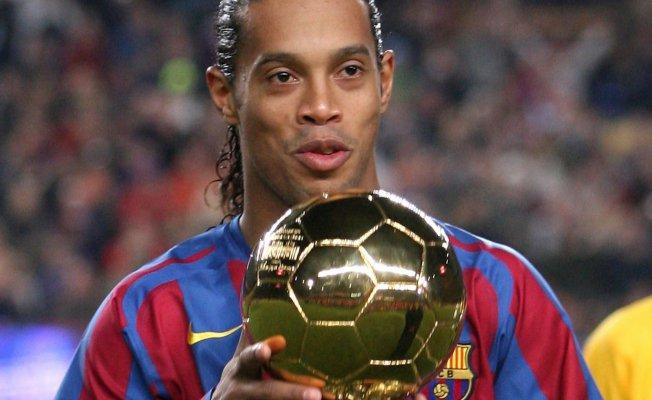 Ronaldinho Paraguay'da tutuklandı