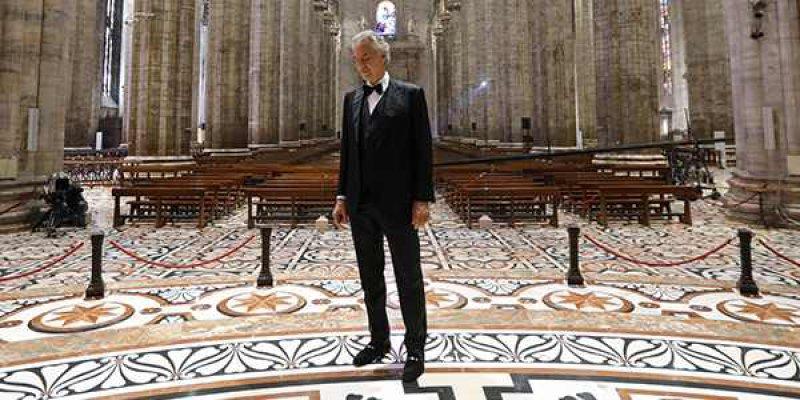 Andrea Bocelli'den Milan'da unutulmaz konser | Müzik umuttur