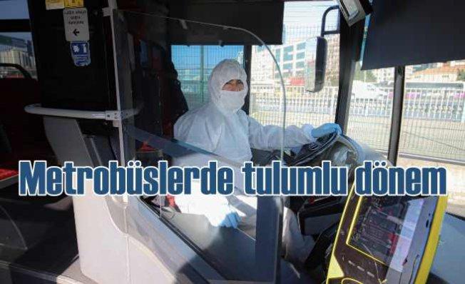 Metrobüslerde koronavirüse karşı tulumlu önlem
