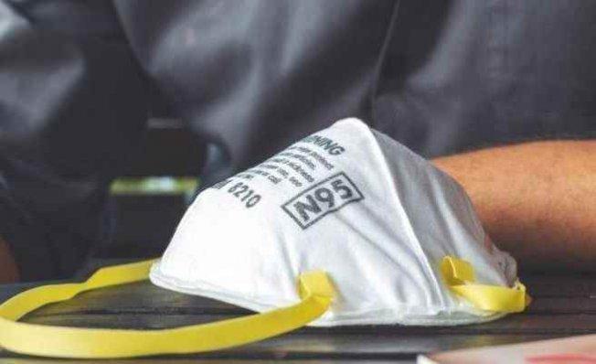 TİSK'den işçi sağlığı için 2 milyon maske bağışladı