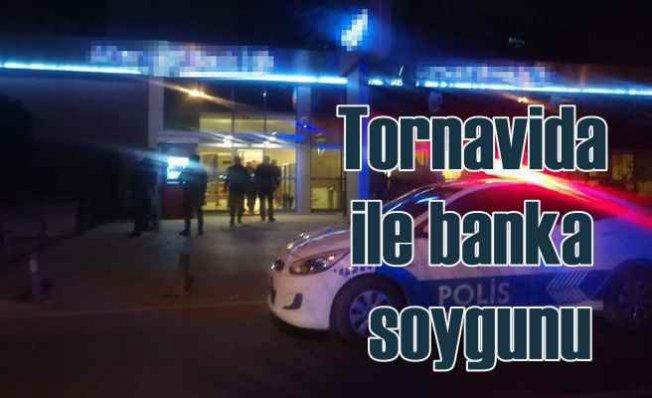 Tornavidalı banka soyguncusu paralarla yakalandı