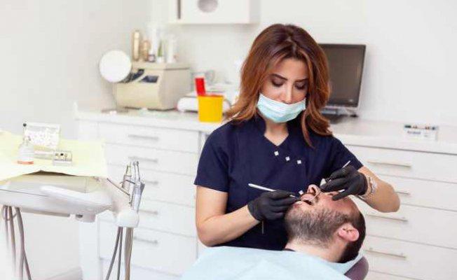 65 yaş üstü karantinada diş sağlığını ihmal ediliyor