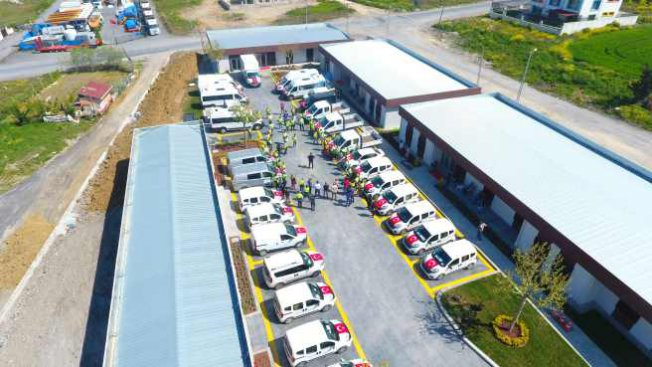 İBB, Beylikdüzü'nde bin 200 koli yardım dağıttı