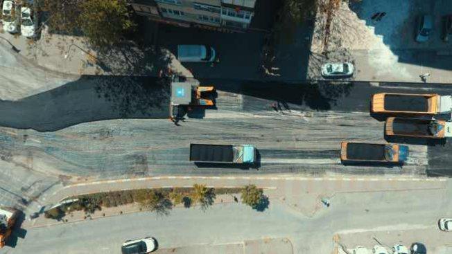İstanbullu'lar eve kapandı, İBB yolları yeniliyor