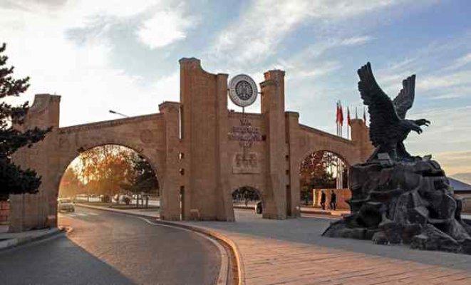 Atatürk Üniversitesi'nde kurbanlık krizi