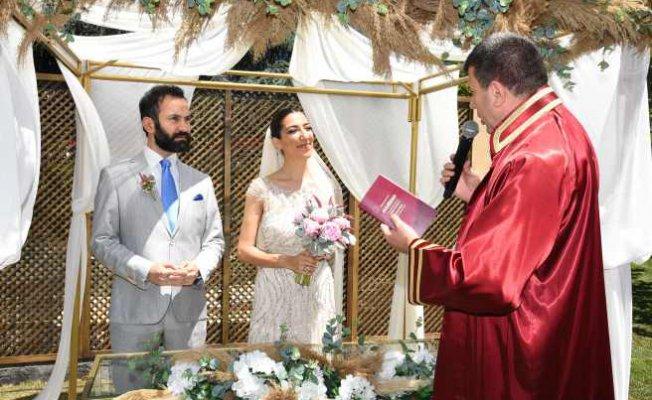 Kadıköy Belediyesi nikahları bahçeye taşıdı