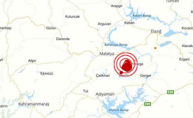 Malatya Pütürge'de deprem | Pütürge beşik gibi sallanıyor