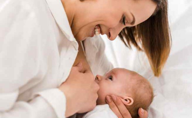 Emzirme hem bebeğe hem anneye faydalı