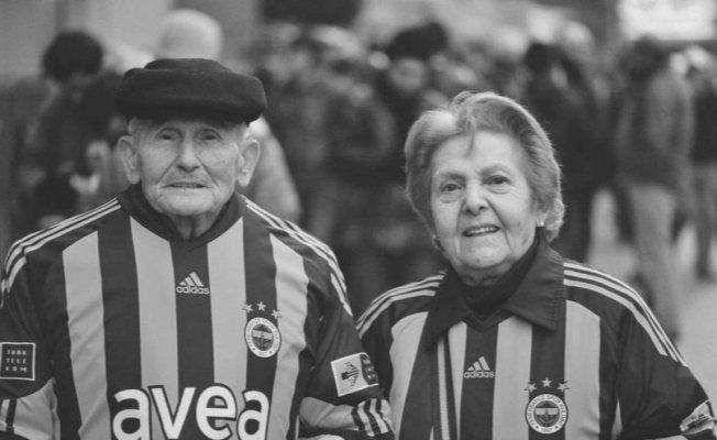 Fenerbahçe tribünlerinin İhsan Teyze'si hayatını kaybetti