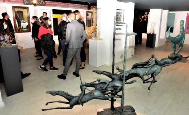 Kıbrıs Türk'ünün simge yazarları bronz büstleri müzede
