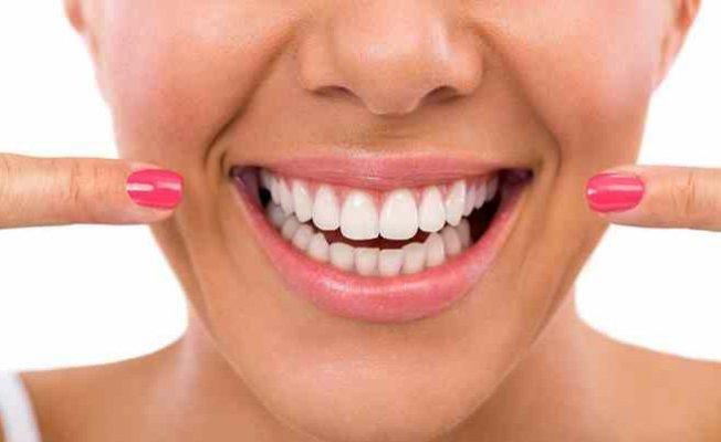 Diş Kayıpları Sosyal Yaşamı Etkiliyor