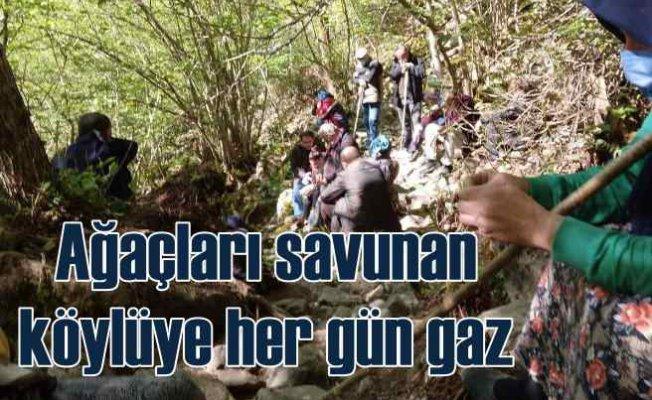 Taş ocağı için köylüler günlerdir gaz yiyor