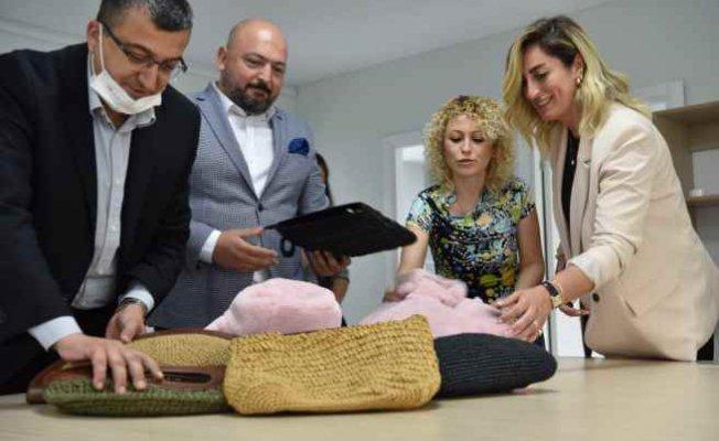 Çan'lı Kadınların Tasarladığı Çantalar Moda Dünyasına Açılıyor