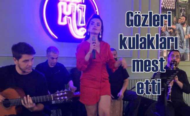 Şarkıcı Begüm Polat mest etti