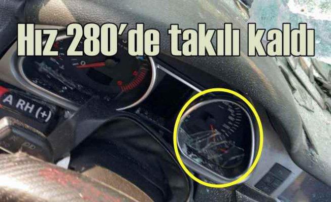 Bursa'da kaza   Lüks cipin hız göstergesi 280'de takılı kaldı