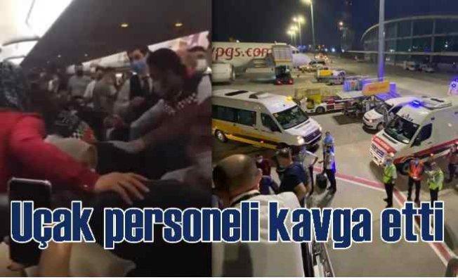 Uçak personeli kavga etti, yolcular perişan oldu