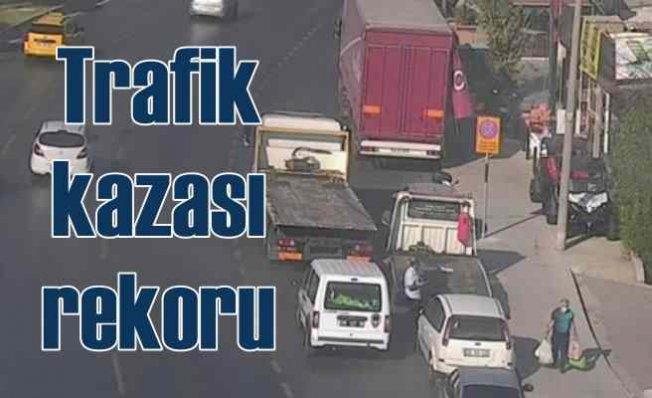 İzmir'de trafik kazası rekoru | 30 günde bin 75 kaza