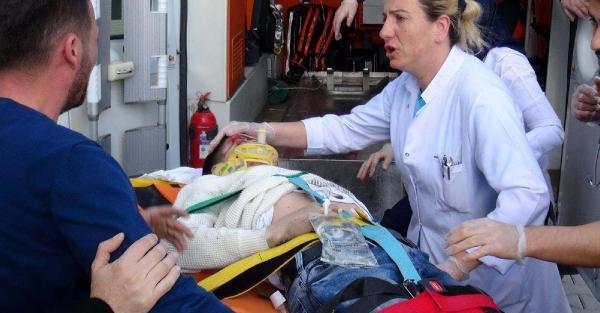 5'inci kattan atlayan liseli ağır yaralandı