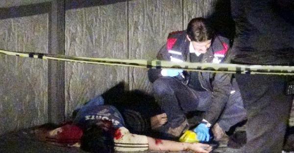 7'nci Kattaki Evinin Balkonuna Çatidan İple Girmek İsterken Düşüp Öldü