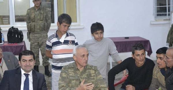 7'nci Kolordu Komutanı Suriye Sınırında