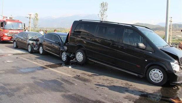 Başbakan'ın konvoyunda kaza oldu