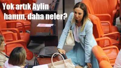 CHP'li kadın Kadın milletvekili ayakkabısını çıkarıp...
