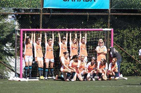 Kadınlar Futbol Kulübü kurarsa ne olur?