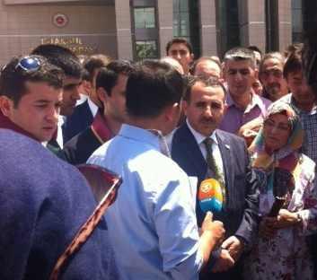 Merkez Partisi Başkanı'ndan gözaltındaki polislere destek