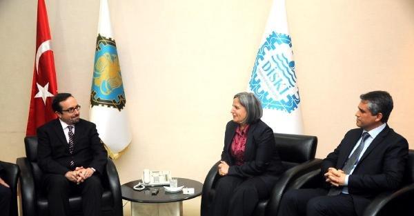 ABD'nin Ankara Büyükelçisi, 8 Mart'ı Diyarbakır sokaklarında eşiyle geçirdi (2)