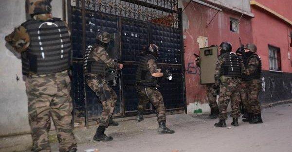 Adana'da Uyuşturucu Operasyonu: 21 Gözaltı