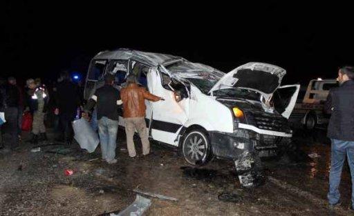 Adıyaman'da feci kaza, 22 yaralı var