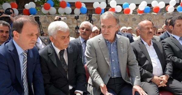 Ak Partili Şahin, restore edilen caminin açılışını yaptı