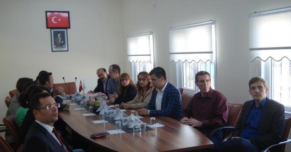 Alman Milletvekilleri Nizip'te Suriyeliler'le Görüştü